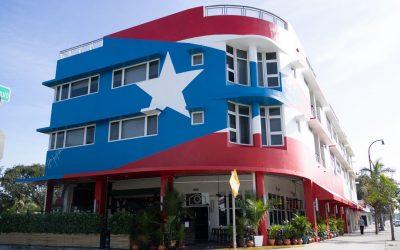 Keep Our Flag at La Placita Miami #NOBORRESMIBANDERA